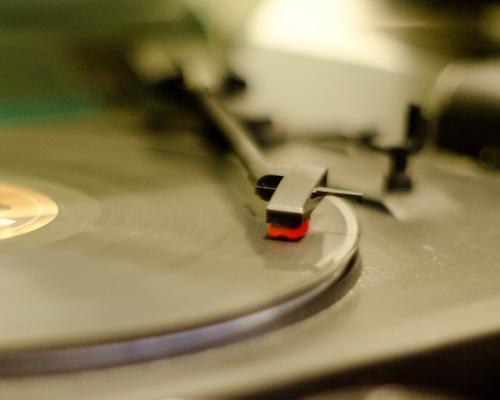 不要・いらないレコードプレイヤーなどの処分方法について