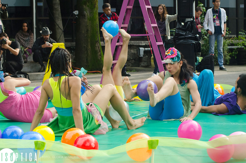 end-2016-la-bola-coreografia-irene-martinez-grupo-mandinga-plaza-angel-salas-ccb-fotografia-gloria-minauro_2107p