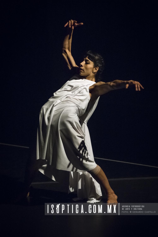 """Presenta el CEPRODAC """"Danza Espada del Verso"""" en Ciclo: Miradas"""