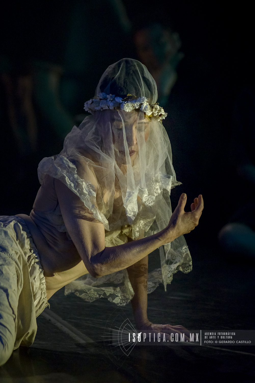 """""""LA CAÍDA"""":  DANZA EXPERIMENTAL DE LOLA LINCE Y NATSU NAKAJ"""