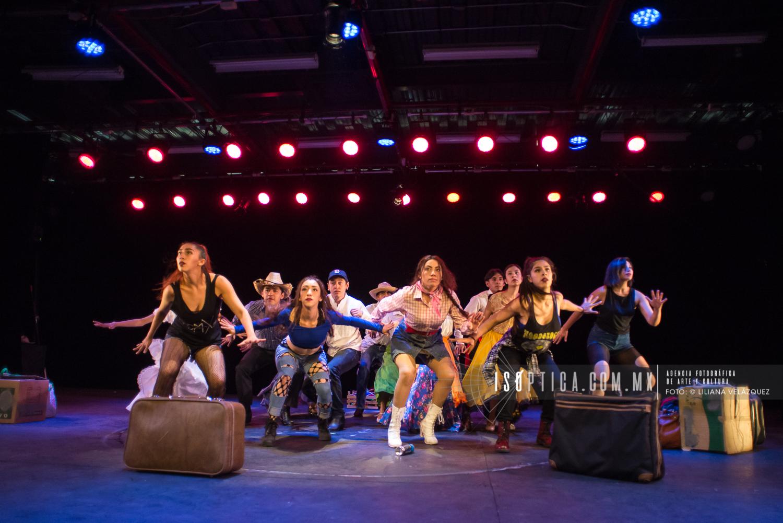Se llevó a cabo la 'Propuesta Coloquio de Danza Folktemporánea', bajo la dirección de Pablo Parga