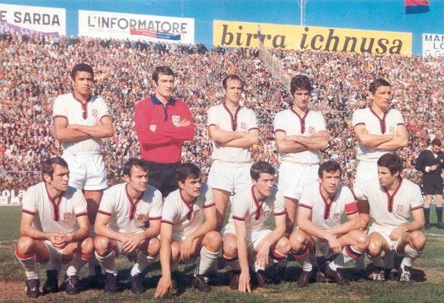 1200px-Unione_Sportiva_Cagliari_1969-70