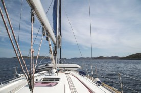 sailboat-950352_1920