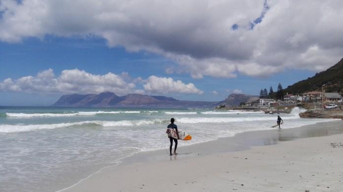 Surfer am Muizenberg Strand