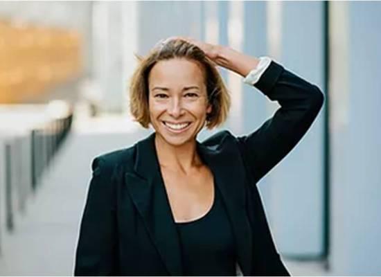Dr Monika Sus