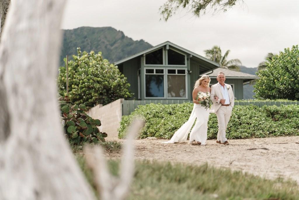 Waimanalo Beach huts Wedding
