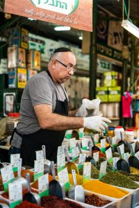 Buy fresh spices for home from Israeli shops.