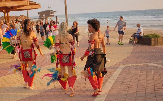 On July 7, 19:00, International Folklore Festival, Brazil, Georgia,  Bosnia and Israel, free entry, Dado Beach, Hof HaCarmel, Haifa