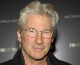 Ha'aretz: Visiting West Bank, Richard Gere Compares Hebron to Segregated U.S. South
