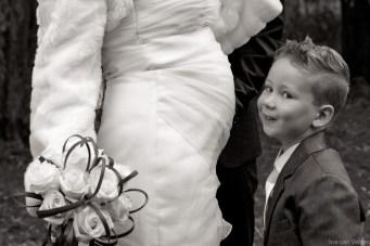 Jonkertje kust buik van bruid