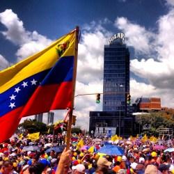 How oil rent contributes to Venezuela's economic crisis by Blas Regnault