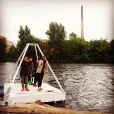 #berlindiydit15 . felix art raft.