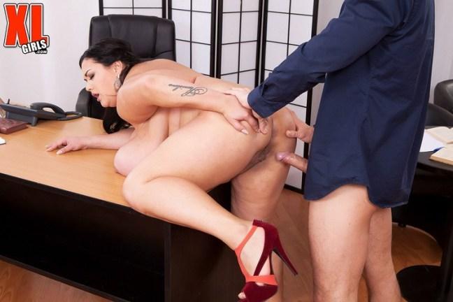 940ef972a551a5ae11afc1749453fba2 l - Nila Mason (Nila Mason's Big-boob Sex Studies) 2019