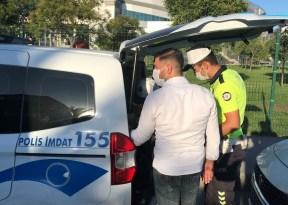 Bakırköy'de fazla yolcu alan minibüs şoförü gazetecileri tehdit etti