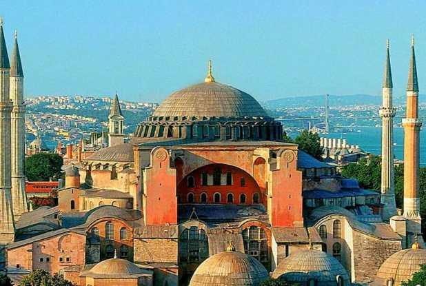 متحف أيا صوفيا في اسطنبول