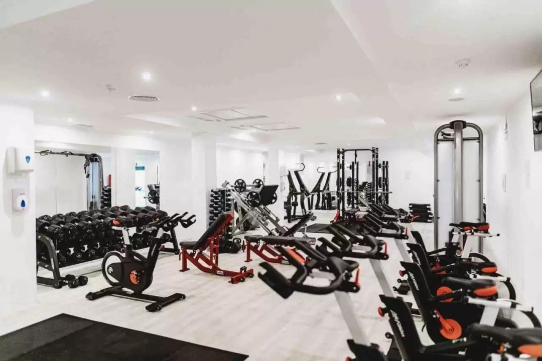 how to open a gym with no investment