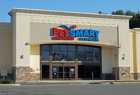 Petsmart Employee Threw Caustic Disinfectant On Dogs