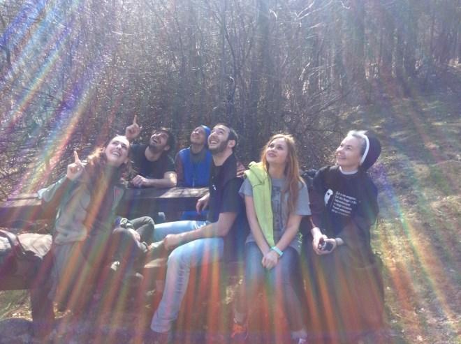 Giovani da sinistra: Alessandra, Jonatan, Suor Maria Josè , Niccolò, Hasha, Suor Maria