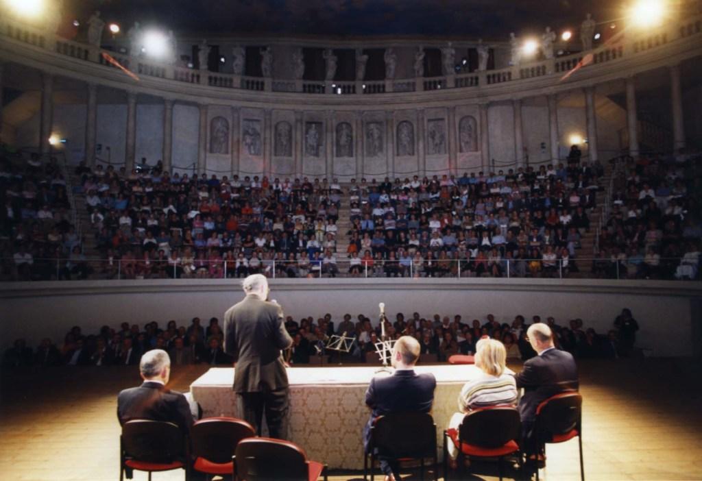Celebrazione 40° Anniversario, Teatro Olimpico 2004