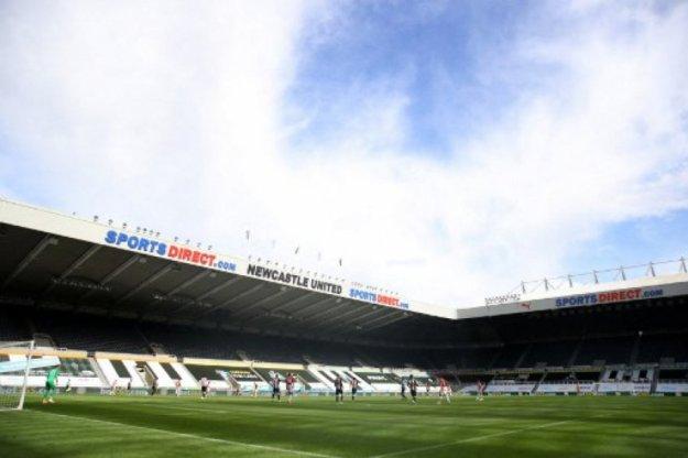 Novo rico do futebol, Newcastle pode gastar até 1,5 bilhão de reais na próxima janela, informa jornal