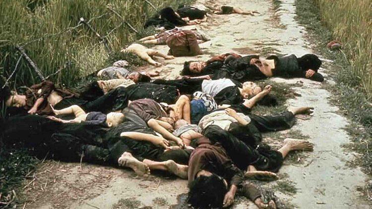 Vittime del massacro di My Lai in Vietnam