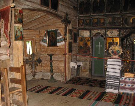 bisericaluiDragosPutnaInterior