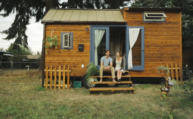A Look Inside The Tiny House Movement Live Green
