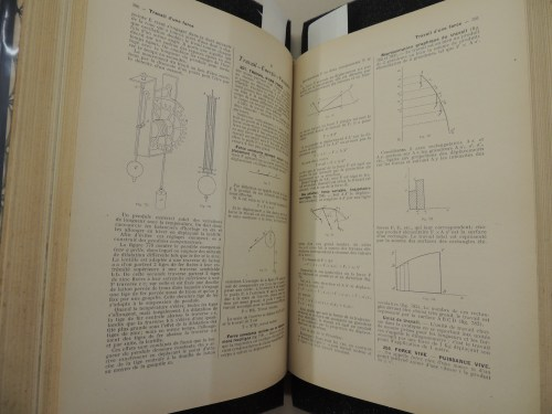 small resolution of two pages show technical text in french along with several scientific and mathematical diagrams