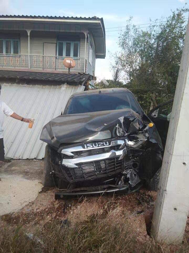 all new isuzu d max 2020 accident 07