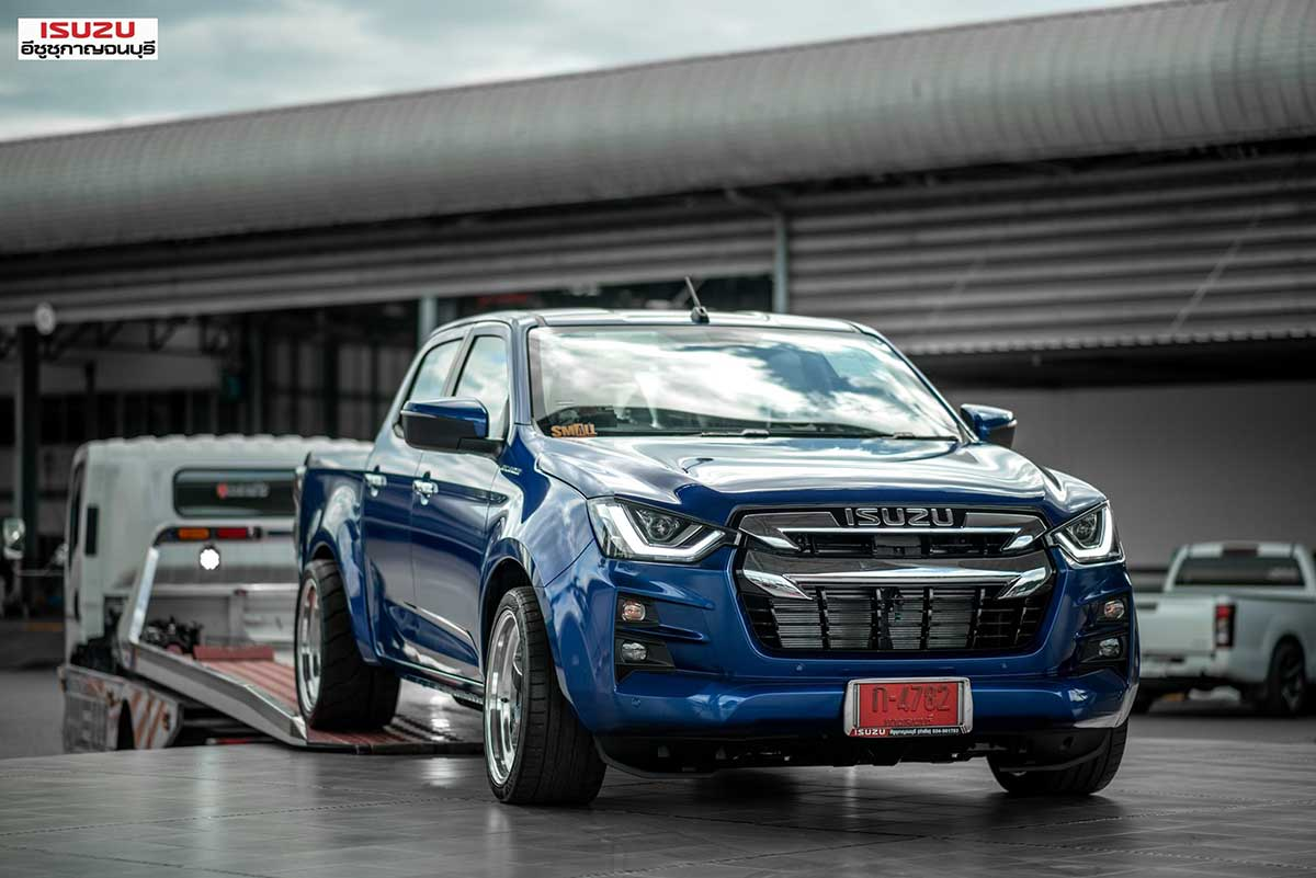 all new isuzu dmax blue smallzing 03