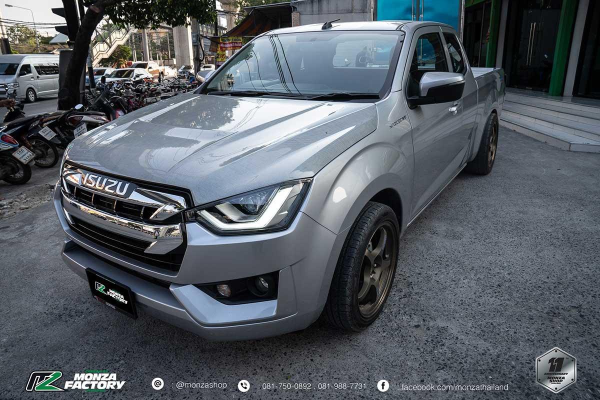 all new isuzu dmax carbon white 06