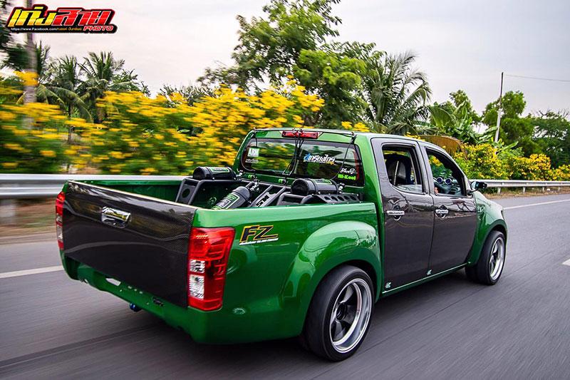 all new isuzu dmax green 08
