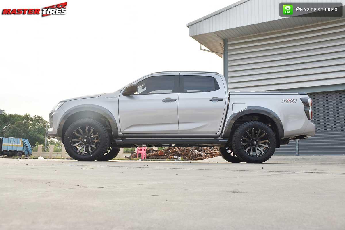 all new isuzu dmax vcross grey 05