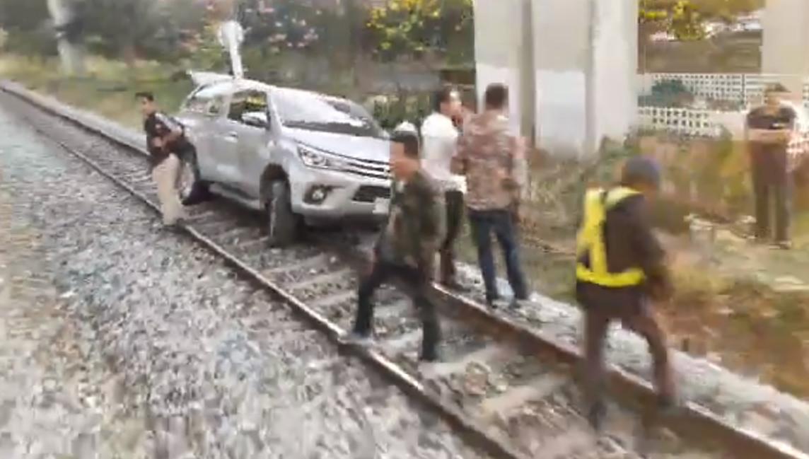 pickup train 04