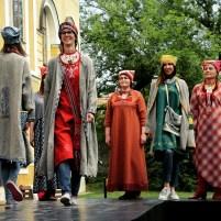 2016 májusa, kortárs udmurt divatbemutató Darali Leli szervezésében