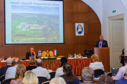2016 szeptembere: Iszkaszentgyörgy bemutatkozása az esztergomi Finn-Magyar testvértelepülési találkozón. A fotón: Ari S. Kupsus finn díszpolgár