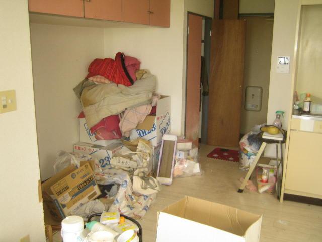 群馬県高崎市 夜逃げしたマンションの8階の片付けをお願いします