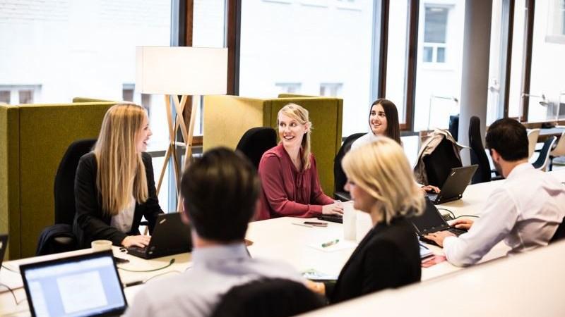 Kvinnor som är börs-vd:ar får 62% lägre bonus än män