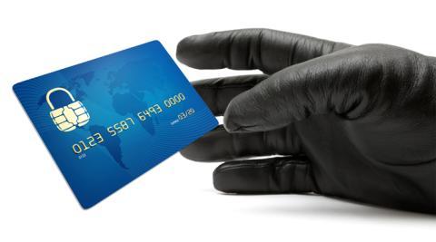 Antalet bedrägerispärrar hos UC ökar med 14 procent och ID-kapningar omsätter 6,3 miljarder