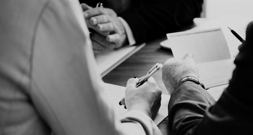 För att leva upp till framtidens förväntningar måste banker och försäkringsbolag tänka nytt