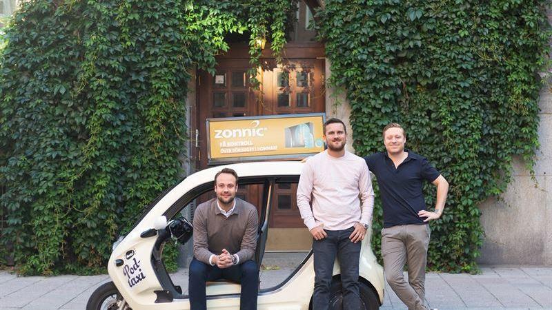 Programmatiskt bokningsbara taxitakskyltar i realtid – Platform161 i samarbete med Bzzt