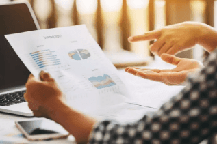 Extra konkursstatistik från UC: Konkurser inom hotell- och restaurang väntas öka med 57 % i mars månad 1