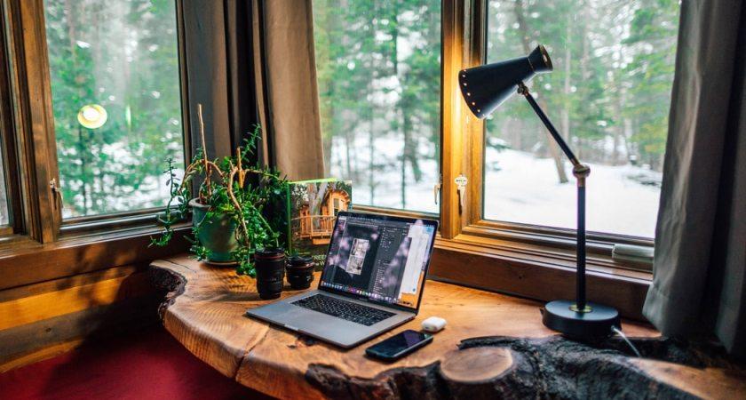 Distansarbetande akademiker: mer effektivt jobba hemma än på kontoret