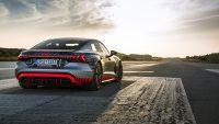 Spjutspetsen i elbilsoffensiven: Audi RS e-tron GT prototype i ett första test av Lucas di Grassi