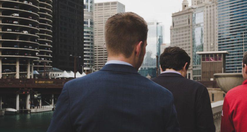 Undersökning visar att finansbranschen halkar efter när det gäller nättjänster