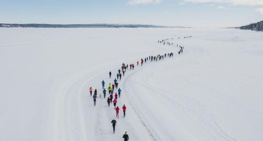 Maraton på is är nya trenden – lockar löpare från hela världen