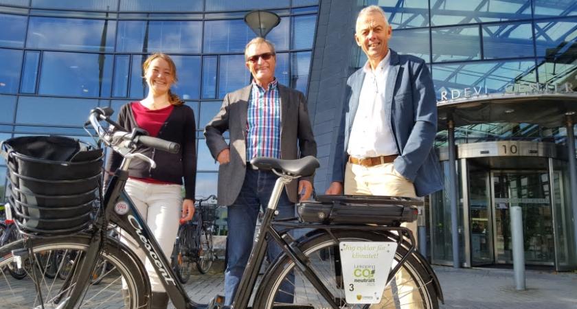 Linköping först i Sverige med elcykelpool