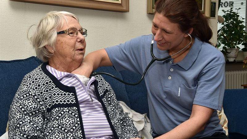Sahlgrenska Universitetssjukhuset satsar på mobila team som ger vård i hemmet