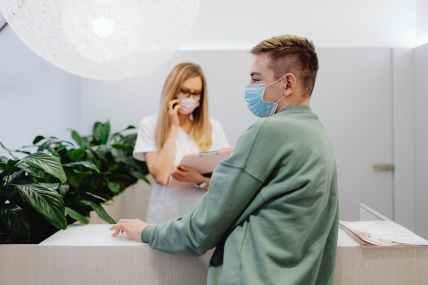 Oral behandling mot covid-19 minskade risken för sjukhusinläggning eller död