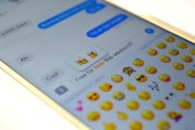 ios-10-emoji-replacement-featured